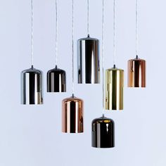 Currently obsessed with the mix and match pendant concept. These featured pendants act more as art, than as lighting – which is exactly how lighting should be used in great design!Whether it…