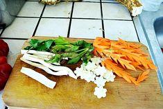 Gogosari umpluti cu struguri sau conopida, la otet Green Beans, Dairy, Food And Drink, Cheese, Vegetables, Canning, Vegetable Recipes, Veggies