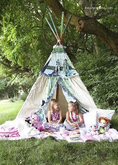 Summer picnic in a teepee -FUN! Fun summer party idea.