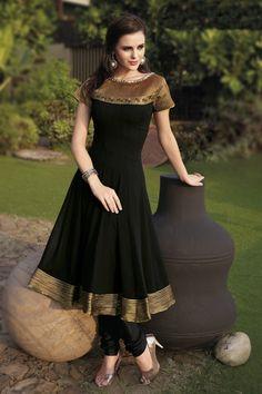 black & gold anarkali F uhh, santik pulok pakaian india ni, argh. Indian Designer Outfits, Indian Outfits, Designer Dresses, Indian Gowns Dresses, Pakistani Dresses, Pakistani Frocks, Indian Frocks, Frock Design, Anarkali Dress