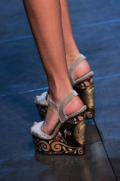 Intarsia wooden wedges of Dolce & Gabbana - Spring/Summer 2014 collection!!!