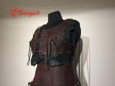 Runes Armor Woman Leather Brustpanzer Festival  Top von Elbengard