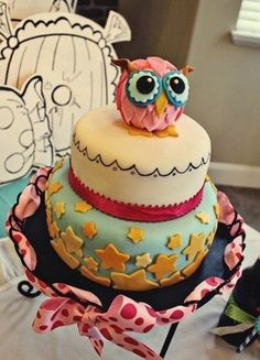 owl cakes, che carina!!! :00, ma con che coraggio si può mangiare quando ti guarda con quegli occhioni grandi?