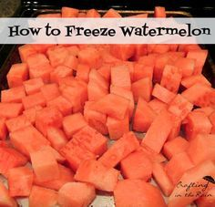 to Freeze Watermelon How to Freeze Watermelon: Remove seeds & cut into cubes. Flash freeze then store in zip loc baggies.How to Freeze Watermelon: Remove seeds & cut into cubes. Flash freeze then store in zip loc baggies. Freezing Fruit, Freezing Vegetables, Frozen Watermelon, Watermelon Recipes, Frozen Vegetables, Frozen Fruit, Fruit Recipes, Fruits And Veggies, Eating Clean
