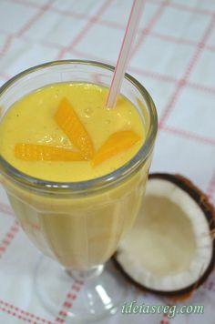 Smoothie de frutas amarelas com leite de coco