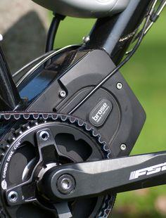 """Das flitzbike E-Bike """"Traveller"""" und flitzbike """"E8"""" ist mit dem brandneuen Mittelmotor von Brose mit nur 3,4 kg ausgestattet."""