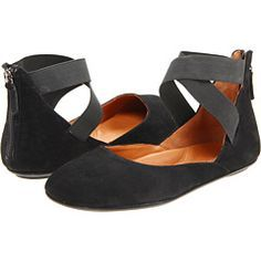 """Wore them in Paris every day. My feet NEVER hurt, no matter how long I walked. I used to think this brand labeled one """"Menopause Lady"""", but after this, I don't care. Like walking on air. Have them in 3 colors now. My 21 yr old daughter borrowed them. Love."""