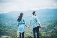 Charming Countryside Couple in Guilin | Engagement | Overseas | China | Countryside | Rice Terraces | Outdoors | Hills | Adventure | Gorgeous | Green | http://brideandbreakfast.hk/2016/10/24/charming-countryside-couple-in-guilin/