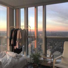 Apartment Goals, Dream Apartment, Seoul Apartment, Apartment View, New York City Apartment, Apartment Living, City Apartment Decor, Living Rooms, City Aesthetic