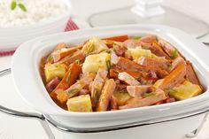 Ensopado de salsicha e batata doce. | 30 receitas que comprovam que a salsicha é o melhor amigo do cozinheiro preguiçoso