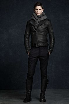 Men's Leather Jackets: How To Choose The One For You. A leather coat is a must for each guy's closet and is likewise an excellent method to express his individual design. Leather jackets never head out of styl Sharp Dressed Man, Well Dressed Men, Mode Masculine, Stylish Men, Men Casual, Stylish Jackets, Look Fashion, Mens Fashion, Biker Fashion