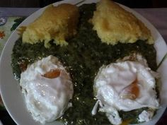 Piure de spanac cu ochiuri Recipe For 1, Romanian Food, Spanakopita, Sushi, Good Food, Chicken, Meat, Cooking, Ethnic Recipes