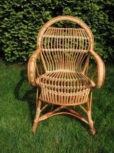 Krzesła wiklinowe idealne do ogrodu. http://domomator.pl/krzesla-wiklinowe-idealne-ogrodu/