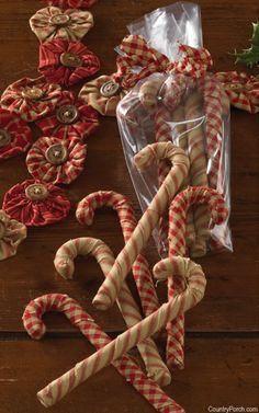 Home for Holidays Yo Yo Garland & Fabric Candy Canes
