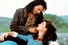 Есть фильмы оромантической любви, трогательной инежной. Аесть фильмы олюбви безумной, которая сметает все насвоем пути именяет судьбы. Ипусть она нетак красива, как вромкомах, ноона того стоит.