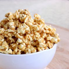 Peanut Butter Popcorn | The Girl Who Ate Everything (Lyme version: popcorn, almond butter, honey, vanilla extract, and cinnamon)