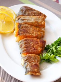 Fish And Seafood, Fish Recipes, Pork, Cooking, Amazing, Roast, Brown Trout, Lemon, Kale Stir Fry