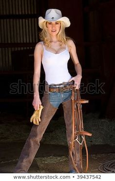 Sexy Cowgirl, Cowgirl Mode, Estilo Cowgirl, Cowgirl Style, Cowgirl Chaps, Gypsy Cowgirl, Country Girl Outfits, Hot Country Girls, Country Girl Style