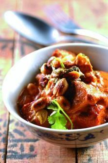 Curry de porc aux cacahuètes et au lait de coco.