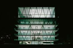 Christian Kerez - Leutschenbach School Building, Zurich 2009. The structure of this building is mind boggling (note the cantilever in the bottom image).