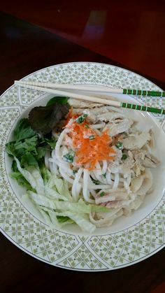 Tubular Cold Noodle with Coconut Sauce