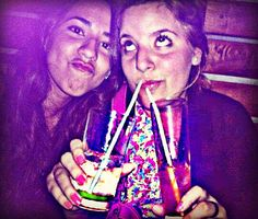 BESTFRIENDS! bongo bar , santa cruz galapagos @r