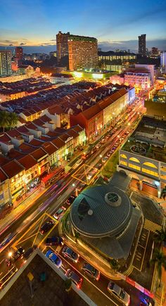Chinatown, Singapore by toonman blchin Best Places In Singapore, Singapore Travel, Wanderlust Singapore, Singapore Singapore, Beautiful World, Beautiful Places, Beautiful Scenery, Amazing Places, Places To Travel
