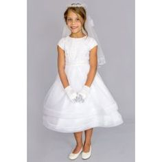 This Communion dress was designed with your princess in mind! The standout features on this dress: Double full hems on skirt , beautifully embroidered bodice and a stone/bead accent at the waist. Girls First Communion Dresses, Holy Communion Dresses, Looking For Women, Fashion Dresses, White Dress, Chiffon, Flower Girl Dresses, Wedding Dresses, Ballerina
