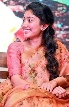 Sai pallavi at Marri 2 press meet Prettiest Actresses, Hot Actresses, Beautiful Actresses, Indian Actresses, South Indian Actress Hot, South Actress, Beautiful Girl Indian, Beautiful Indian Actress, Katrina Kaif Bikini Photo