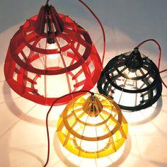 Lampada artigianale fatta a mano in alluminio disponibile in 3 dimensioni. Design by Sean Dare