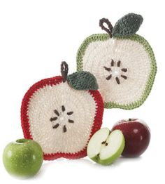 Apple crochet potholder dishcloth pattern (free pattern) Sherri has made this and it is so CUTE! Easier to do than I first thought. I love the pattern. Crochet Apple, Crochet Food, Knit Or Crochet, Crochet Kitchen, Crochet Fruit, Form Crochet, Yarn Projects, Crochet Projects, Crochet Gratis