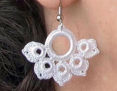 Items similar to Romantic Hand Crocheted Lace Flower Earrings off White/ Light Ivory on Etsy - Schmuck Selber Machen Crochet Jewelry Patterns, Crochet Earrings Pattern, Crochet Motifs, Crochet Accessories, Hand Crochet, Crochet Lace, Crochet Stitches, Crochet Necklace, Lace Flowers