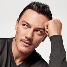 """53 Likes, 9 Comments - Sarah (@luuuuuke_evans) on Instagram: """"Hands!!!! ❤️❤️❤️❤️ ⠀⠀⠀⠀⠀⠀⠀⠀⠀ Luke Evans photographed by Buzz White for the May issue of Style…"""""""