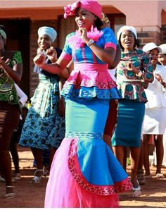 Pedi Traditional Attire, Traditional Wedding Attire, African Traditional Wedding, African Traditional Dresses, Traditional Clothes, Traditional Fashion, African Bridesmaid Dresses, African Wedding Attire, African Attire