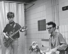 Johnny Marr and Morrissey of the Smiths in a bathroom before going onstage in Belgium in 1984 Sehun, 40 Years Ago Today, How Soon Is Now, The Smiths Morrissey, Johnny Marr, Patti Smith, Charming Man, Britpop, Post Punk