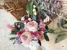 トス用ブーケ プリザーブドフラワー&ドライフラワー Floral Wreath, Wreaths, Photo And Video, Videos, Instagram, Decor, Atelier, Floral Crown, Decoration