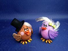 Vogelhochzeit von PBN Easter Egg Crafts, Easter Bunny, Easter Eggs, Egg Box Craft, Homemade Crafts, Diy Crafts, Styrofoam Crafts, Crafts For Kids, Arts And Crafts