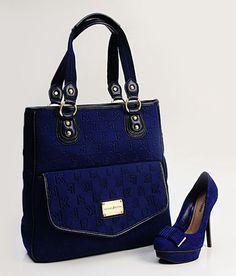 Azul Klein é aposta para o verão 2013