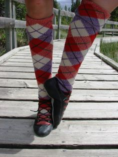 Dress red Culloden socks with alternate purple marl