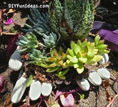 DIY Concrete Hand Planters and Bowls..........FOLLOW DIY Fun Ideas! ............BEST DIY SITE EVER!