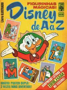 Ainda no final de 1982, eu comecei a colecionar o álbum Disney de A a Z, com os personagens e as letras do alfabeto, algumas brilhavam no escuro, era muito divertido. Eu me lembro que as figurinhas tinham um tipo de cola atrás que a gente lambia e tinha sabor de chiclete.