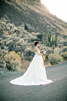 Glamorous Galia Lahav wedding gown | Betty Elaine Photography