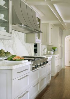 Thinking of redoing your kitchen? Considering marble countertops? Great choices include carerra, statuary, danby and calcutta marbles (among others). Here are five kitchens with calcutta gold ma…