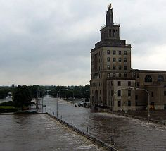 Cedar Rapids....my hometown.....the floods of 2008...devastating