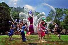 Today is Chinese #ValentinesDay which is called #SanyaRepin #SanyaHeartstoHearts #Qixi in Chinese. Come and join the annual #water-sprinkling carnival in #Sanya! #Whererefreshingbegins #Culture
