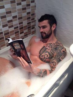 Sexy man Stuart Reardon soaking. He looks like he'd be well-read. (Hot muscular men, beards, tattoos, sexy men, sexy guy, gods) Stuart is also on Stevedore's Hot Rugby Men board.