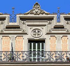 Casa Antoni Gibert.  Architect: Josep Pérez Terraza. Barcelona - Balmes