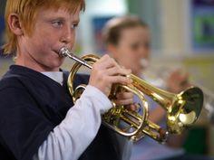 Уроки музыки помогают учить язык. (Фото Bob Thomas / Corbis.)