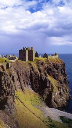 Dunnottar Castle, Stonehaven, Scotland by leanne