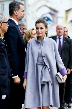 State Visit to Portugal: Day 3, Queen Letizia wore a gray outfit byCarolina Herrera.